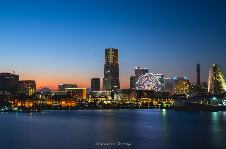 休日の都市夜景