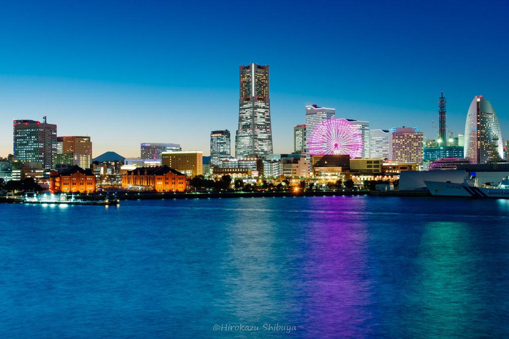 冬(12月、1月、2月)の写真撮影におすすめ被写体~ブルーアワーの都市夜景~