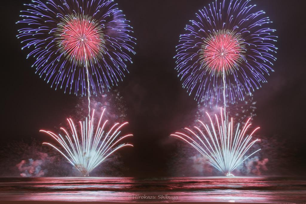 対打ち花火(2017.10.1 湯河原海上花火大会)
